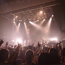 【ライヴレポ】THE BEETHOVEN 5th Anniversary ONEMAN TOUR 2018 「Masquerade」「Classical×Masquerade」5月31日(木) TSUTAYA O-WESTの模様をお届け | ヴィジュアル系ポータルサイト「ViSULOG」